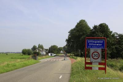 Offingawier is een dorp in de provincie Fryslân, gemeente Súdwest-Fryslân. T/m 1983 gemeente Wymbritseradiel. In 1984 middels grenscorrectie overgegaan naar de gemeente Sneek, in 2011 over naar gemeente Súdwest-Fryslân.