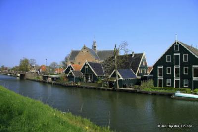 Oosthuizen, mooi gelegen aan de Ringvaart van de Beemster