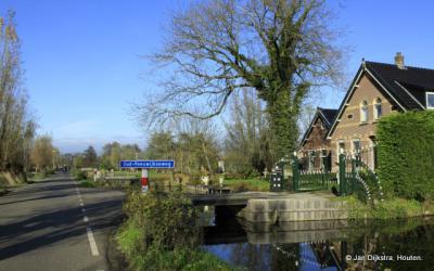In de mooie buurtschap met zijn statige boerderijen Oud-Reeuwijk aangekomen