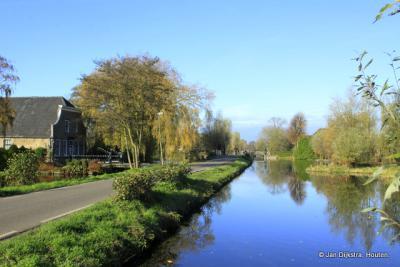 Brede wateren en smalle wegen in Oud-Reeuwijk