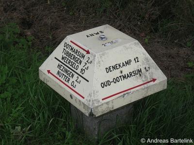 Buurtschappen worden op richtingwijzers, zoals de ANWB-paddenstoelen, vaak vergeten. In deze omgeving gelukkig niet: op deze ANWB-paddenstoel staan drie buurtschappen: Hezingen, Nutter en Oud Ootmarsum.