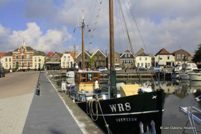 Aan de haven van Oude-Tonge