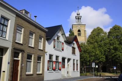 Dorpsgezicht met de Hervormde kerk in Oude-Tonge