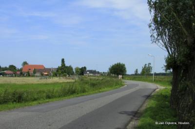 Oudeland, aan de weg