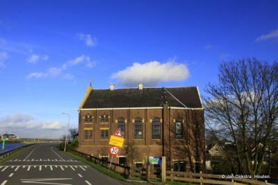 Ouderkerk aan den IJssel, de voormalige Gereformeerde kerk aan de IJsseldijk Noord