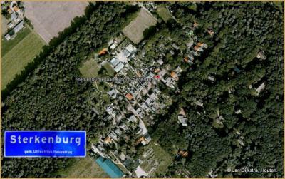 Nieuw Sterkenburg is een flinke buurtschap met blauwe plaatsnaamborden. Curieus dat de plaatsnaam desondanks niet voorkomt in de topografische atlassen.