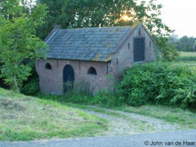 Passewaaij, het 19e-eeuwse dijkwachtershuisje is gelukkig bewaard gebleven