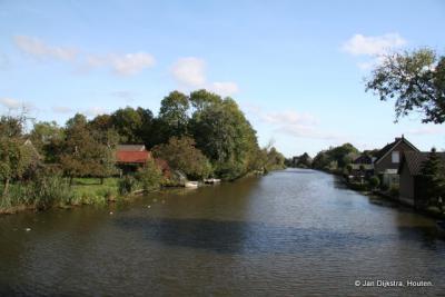 Blik op de Giessen vanaf de brug in Pinkeveer