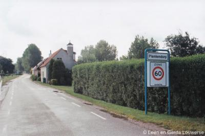 De buurtschap Plankendorp staat niet meer in recente atlassen, maar bestaat nog wel degelijk, getuige o.a. de plaatsnaamborden ter plekke.