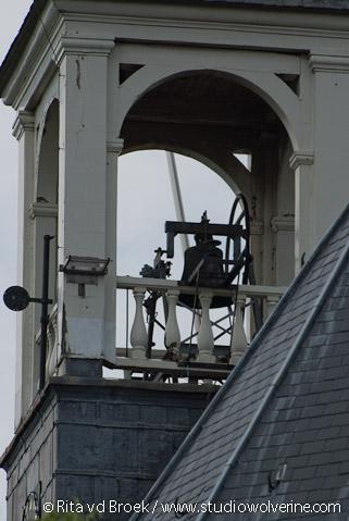 Hoedekenskerke, detail klokkenstoel in de kerktoren