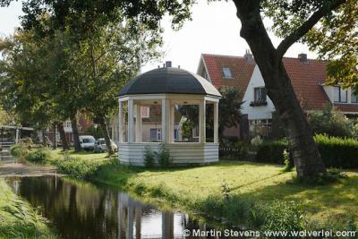 Zoals alle Waterlandse Amsterdamse dorpjes heeft ook Ransdorp heel wat markante panden en objecten. Zoals dit object, dat een theekoepel lijkt. Het is echter een - rijksmonumentale - muziektent uit 1922.