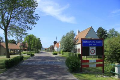 Aangekomen in Retranchement, een voormalig vestingdorp aan de grens met België