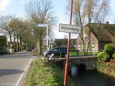 Rijnenburg (buurtschap van Utrecht) is nu nog een idyllische buurtschap, die de komende jaren wordt getransformeerd in een wijk met 7.000 woningen. Het wordt wel 'ruim wonen in het groen', zo belooft de gemeente...
