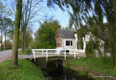 Heel veel mooie boerderijen staan er in Rijnenburg aan de Nedereindseweg.