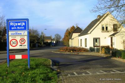 Rijswijk ligt voor 1999 in de gemeente Maurik, sindsdien in de gemeente Buren