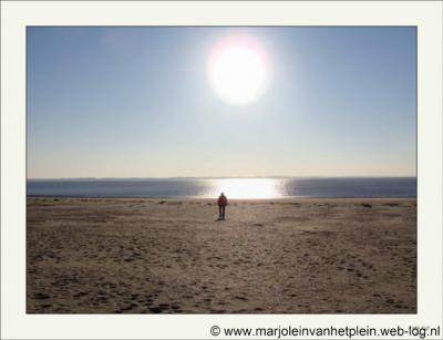 Rockanje, strand. Het dorp ligt aan de Noordzee en is dan ook een populaire badplaats.