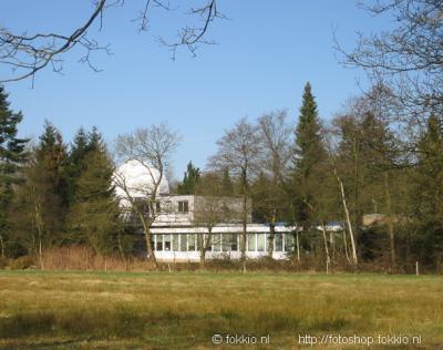 Roden, in de voormalige sterrenwacht is tegenwoordig een opleidingsinstituut gevestigd