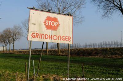 Schipperskerk, protestbord tegen de grindwinning