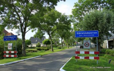 Sibrandabuorren is een dorp in de provincie Fryslân, gemeente Súdwest-Fryslân. T/m 1983 gemeente Rauwerderhem. In 1984 over naar gemeente Boarnsterhim, in 2014 over naar gemeente Súdwest-Fryslân.