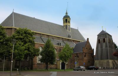 De Grote of Martinikerk in Sneek, met de bijzondere klokkenstoel