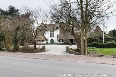 Drumpt is formeel een wijk van Tiel, maar heeft nog veel dorpse kenmerken en monumentale, landelijk gelegen panden, zoals deze.