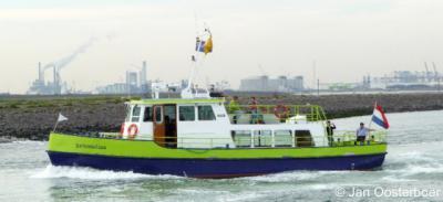 Tiengemeten, sinds 2010 is er de veerboot Heicondias van Nieuwendijk en Stad aan 't Haringvliet naar Tiengemeten v.v.