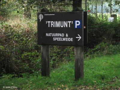 Trimunt is tegenwoordig vooral bekend als recreatiegebied, maar het is ook nog altijd een buurtschap. Bijna niemand weet dat, omdat de plaatsnaam in atlassen en op plattegronden ten onrechte is 'uitgegumd' en ter plekke geen plaatsnaamborden stonden.