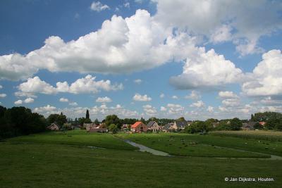 Uitweg gezien vanaf de Lekdijk.