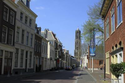 De Dom, gezien vanuit de Lange Nieuwstraat