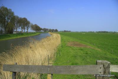 Uitzicht bij het Verloreneinde met links de Beemster en de Oostdijk.