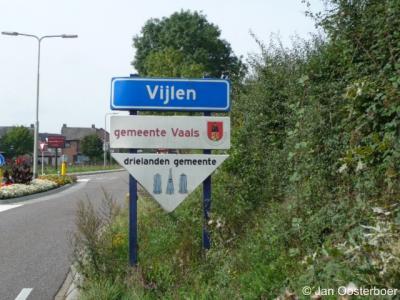 Vijlen, bij de plaatsnaamborden in de gemeente Vaals word je er al op geattendeerd dat hier het drielandenpunt ligt.