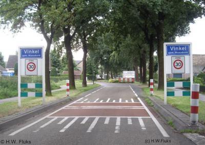 Het dorp Vinkel valt nu (grotendeels) onder de gemeente 's-Hertogenbosch (t/m 2014 gemeente Maasdonk), maar viel voor de herindeling van 1993 onder maar liefst 5 verschillende gemeenten!