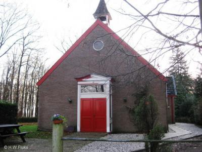 Vossenberg bij Elsendorp, de protestantse kerk uit 1927 bedient tevens een aantal dorpen in de regio.