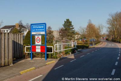 En buurtschap Vuilendam valt ook nog deels onder het dorp Ottoland
