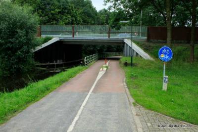 Tunnel onder de A27 naar de buurtschap Waijen