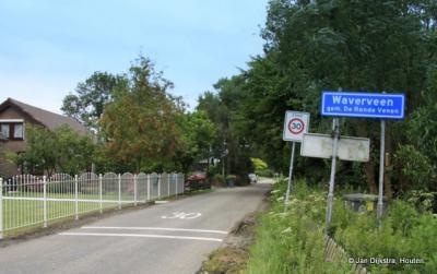Waverveen is een dorp in de provincie Utrecht, gemeente De Ronde Venen. Het was een zelfstandige gemeente t/m 1840. In 1841 over naar gemeente Vinkeveen en Waverveen, in 1989 over naar gemeente De Ronde Venen.