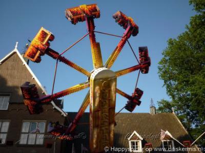 Weerselo, een van de attracties tijdens de kermis in Weerselo, juni 2010