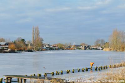 De Klomp, Weesp, Noord Holland vanaf de overkant van de Vecht