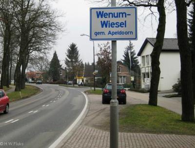 Wenum en Wiesel worden tegenwoordig formeel als een plaats 'Wenum-Wiesel' beschouwd