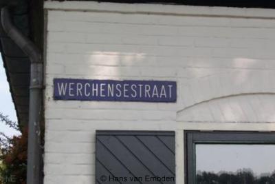 Wercheren (buurtschap van Persingen) ligt aan de Werchensestraat, wat dus eigenlijk Wercherensestraat zou moeten zijn, de buurtschap heet immers Wercheren en niet Werchen, maar dit heeft met een oudere schrijfwijze van de buurtschap te maken.