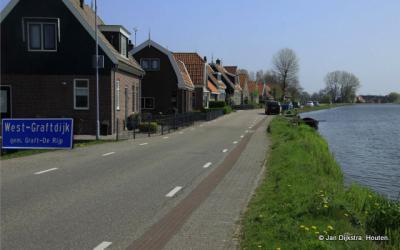 West-Graftdijk aan het Noord-Hollands Kanaal.