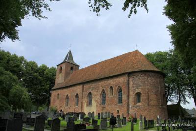 De Romaanse kerk van omstreeks 1200 in Westergeest.