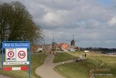 Via de Lekdijk komen we in Wijk bij Duurstede