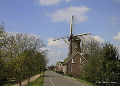 Molen De Twee Gebroeders op de Maasdijk in Wijk en Aalburg.