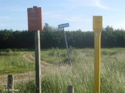 Winschoterzijl, in wat nog van de buurtschap over is op grondgebied van Winschoten staan geen plaatsnaambordjes, maar je kunt gelukkig nog wel aan de gelijknamige straatnaambordjes zien dat je er bent aanbeland.