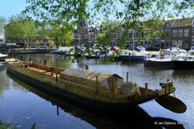 Replica van een Romeins schip in de haven van Woerden