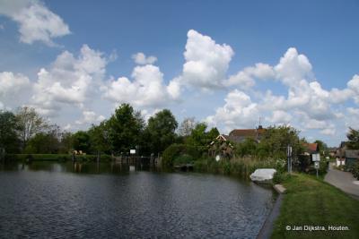 Woerdense Verlaat een dorp aan het water.