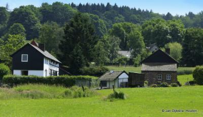 Het landschap tussen Raren en Wolfhaag.