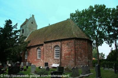 Wyns, Sint Vituskerk, met kerkhof