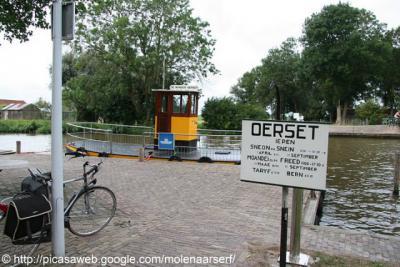 Wyns, voet- en fietsveer over de Dokkumer Ee